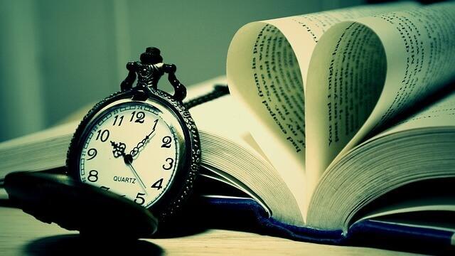 「絵本の読み聞かせ」に最適な時間帯はいつ?読む時間の長さはどのくらい?